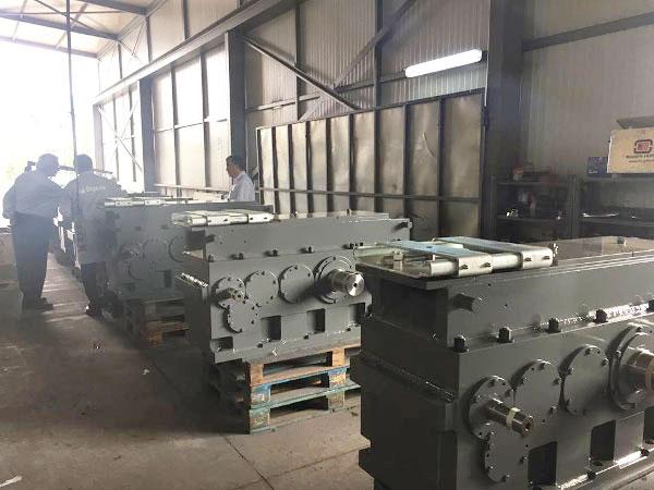 Промышленные редукторы и мотор-редукторы для металлургии